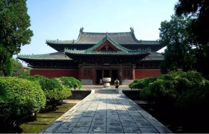 备受古建专家梁思成青睐的隆兴寺,到底有何绝妙?