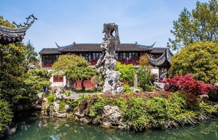 """浅谈中国古典园林""""叠山造景""""手法及应用"""