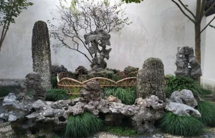 """中国园林中""""叠山造景""""的手法及应用"""