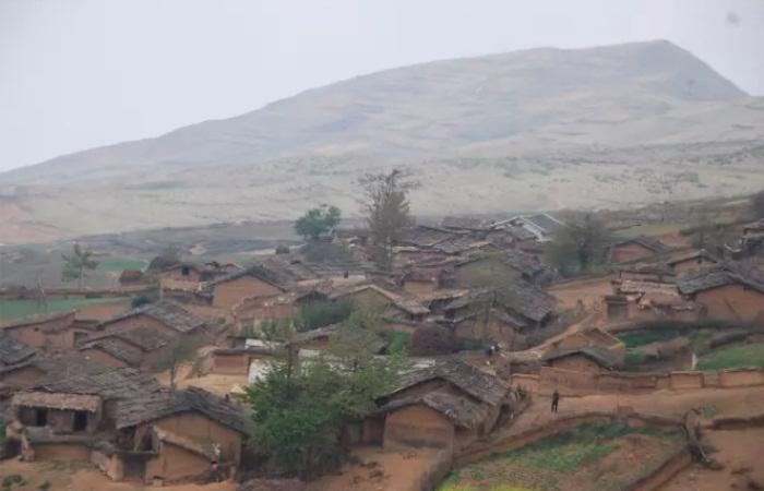 彝族特色建筑——瓦板房的建筑技艺