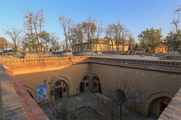 陕州地坑院——地下民居古建筑