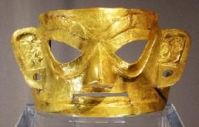 三星堆黄金面具是如何出土的?