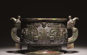 浅谈商周时期青铜器纹饰的文化内涵