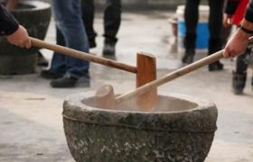 江西特产弋阳年糕:三蒸二百捶的古老美食