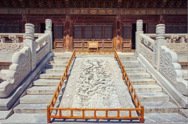 中国古建筑中的龙凤图腾文化
