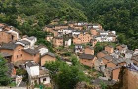 徽州古村落黄色土楼,成独特风景!