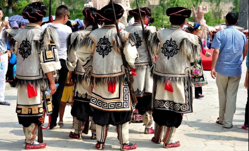 云朵上的民族——羌族的风俗文化!