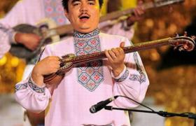 少数民族-维吾尔族男子服饰的特点