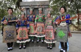 朴素与华贵相得益彰的四十八寨侗族服饰