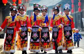 羌族服饰的来历以及意义是什么?