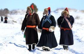 蒙古袍——古老的传统服装