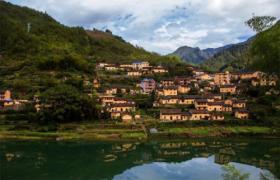 张维为谈中国古村落的保护